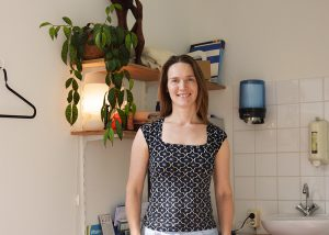 'Als je meer rust in je lijf hebt, heb je ook meer rust in je hoofd' – psychosomatisch fysiotherapeut Marjet Berkenbosch over haar vak.